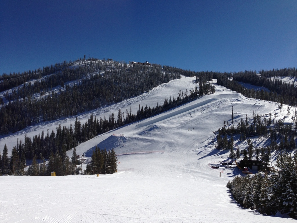Winter Park 17 Jan.  Looking up at Sunspot Restaurant on top of the hill.