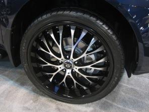 Acura MDX. Wild wheels.