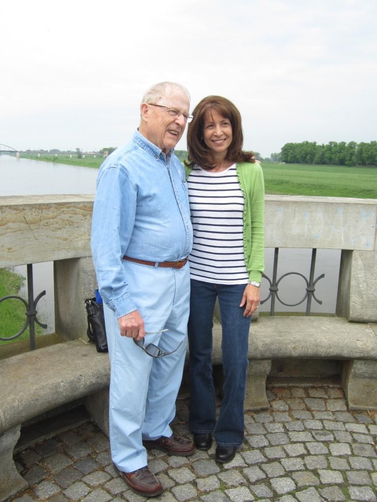Carmen's father was in Bob's machine gun unit during WWII.