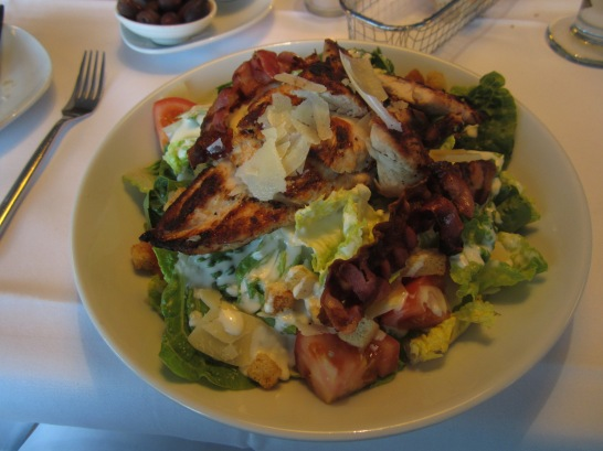 Being the health nut that I am (?!?) I opt for the grilled chicken salad.