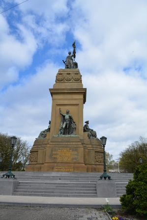 National Monument of 1813 commemorating the establishment of the Kingdom of the Netherlands.