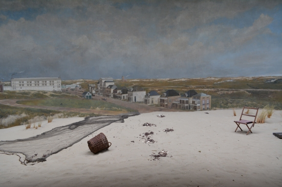 Panoram Mesdag, a fascinating circular painting view from the center across real sand.
