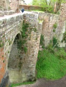 Bridge to Rosslyn Castle ruins.