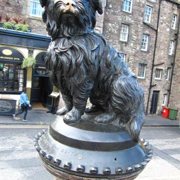 Greyfriar's Bobby statue of Skye terrier (Bobby!)
