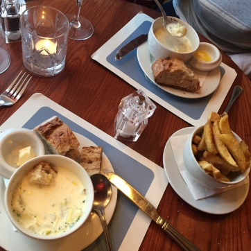 Delicious bread included, with a side of chips (french fries to Americans) cooked in truffle oil.