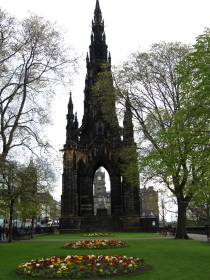 Sir Walter Scott monument.